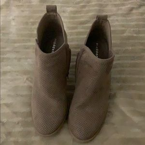 Brown boots - never worn!